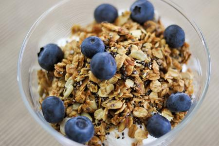 Nutty agave granola