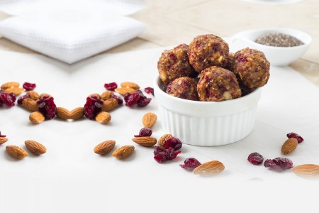 Ginger-berry energy balls